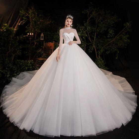 Vintage Weiß Durchsichtige Hochzeits Brautkleider / Hochzeitskleider 2020 Ballkleid Stehkragen Lange Ärmel Rückenfreies Perlenstickerei Perle Kathedrale Schleppe Rüschen