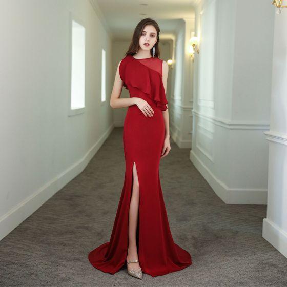 Piękne Jednolity kolor Czerwone Sukienki Wieczorowe 2020 Syrena / Rozkloszowane Wycięciem Bez Rękawów Podział Przodu Trenem Sweep Sukienki Wizytowe
