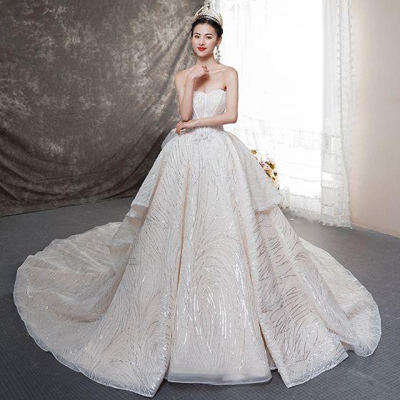 Bling Bling Champagne Bröllopsklänningar 2019 Balklänning Älskling Ärmlös Halterneck Rosett Glittriga / Glitter Tyll Cathedral Train Ruffle