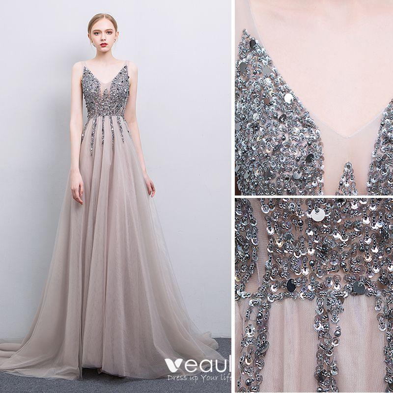 Seksowne Szary Wykonany Ręcznie Frezowanie Sukienki Wieczorowe 2019 Princessa V-Szyja Cekiny Bez Rękawów Bez Pleców Trenem Sweep Sukienki Wizytowe