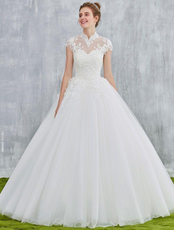 Elegant Wedding Dresses 2017 Vintage Neckline Applique Lace And Sequin White Tulle Bridal Gowns