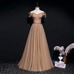 Beste Braun Abendkleider 2020 A Linie Off Shoulder Kurze Ärmel Perlenstickerei Stoffgürtel Lange Rüschen Rückenfreies Festliche Kleider