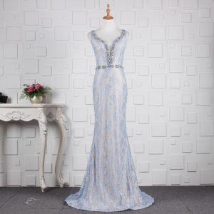 Eleganckie Błękitne Sukienki Wieczorowe 2019 Syrena / Rozkloszowane Cekinami Z Koronki Kryształ V-Szyja Bez Rękawów Bez Pleców Trenem Sweep Sukienki Wizytowe