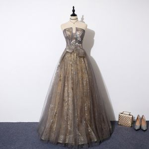 Luxury / Gorgeous Grey Gold See-through Evening Dresses  2019 A-Line / Princess Amazing / Unique Strapless Sleeveless Appliques Flower Beading Glitter Tulle Floor-Length / Long Ruffle Backless Formal Dresses