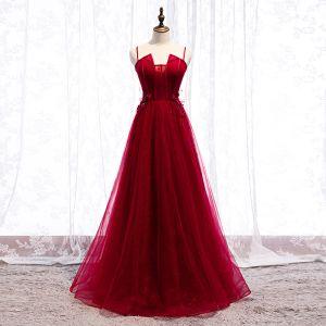Hermoso Borgoña Vestidos de noche 2019 A-Line / Princess Spaghetti Straps Rebordear Con Encaje Flor Apliques Sin Mangas Sin Espalda Largos Vestidos Formales