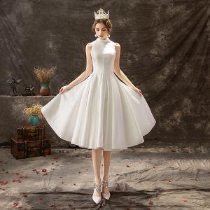 Enkla Elfenben Bröllopsklänningar 2019 Prinsessa Hög Hals Spets Blomma Knappar Ärmlös Knälång