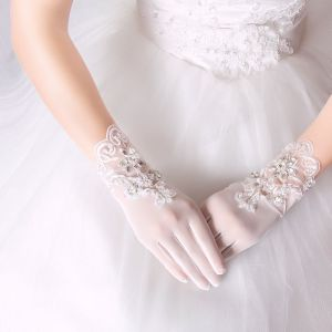 Luxury / Gorgeous White Wedding 2018 Lace-up Tulle Beading Bridal Gloves