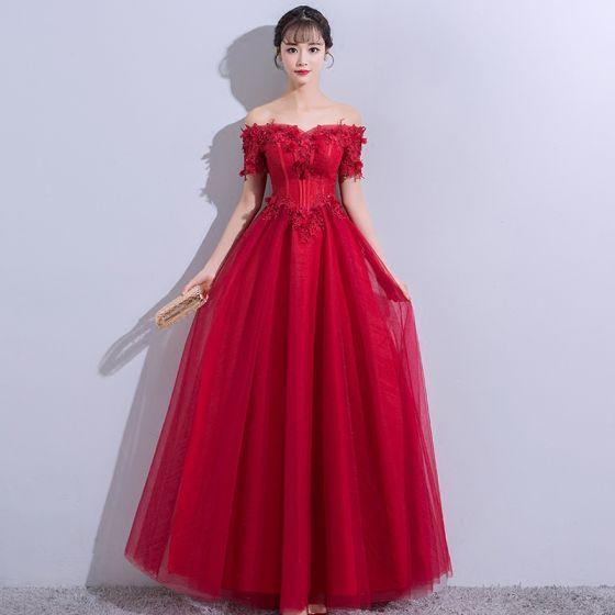 Elegant Burgundy Evening Dresses  2018 A-Line / Princess Lace Flower Appliques Crystal Backless Off-The-Shoulder Short Sleeve Floor-Length / Long Formal Dresses