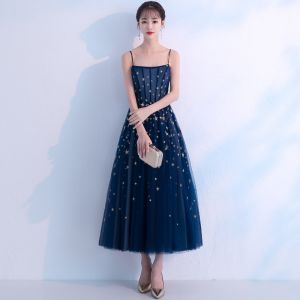 Chic / Beautiful Navy Blue Homecoming Graduation Dresses 2018 A-Line / Princess Spaghetti Straps Sleeveless Star Embroidered Tea-length Ruffle Backless Formal Dresses