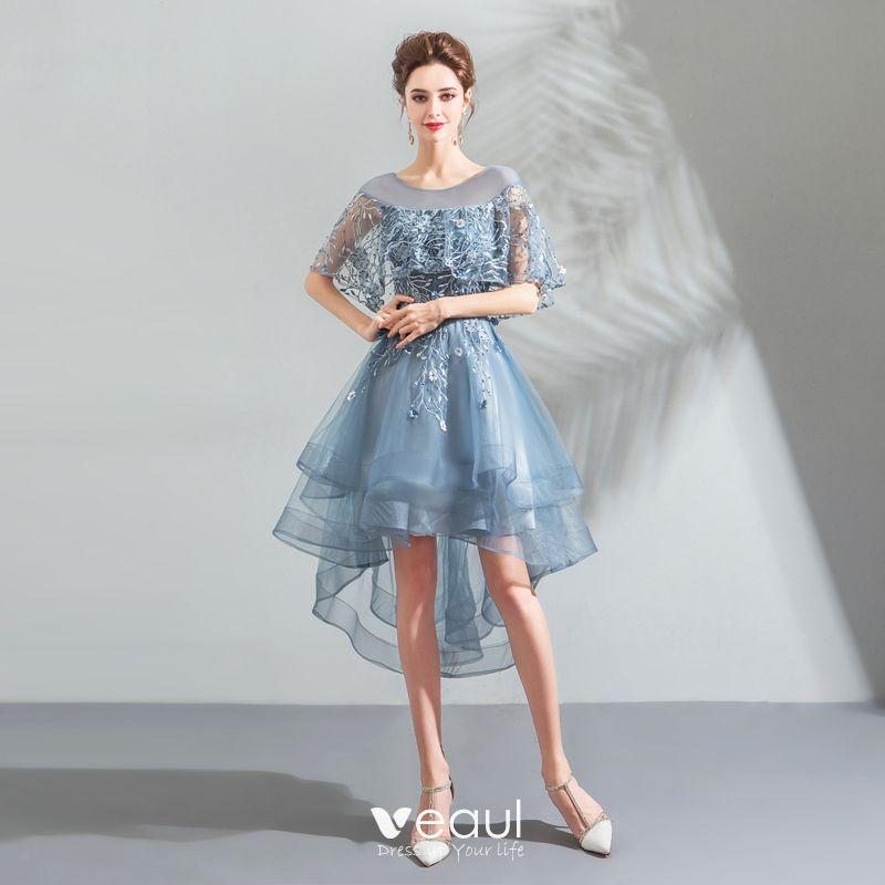 Mode Blau Cocktailkleider 2018 A Linie Asymmetrisch Spitze Blumen Perle Rundhalsausschnitt Ruckenfreies Kurze Armel Festliche Kleider