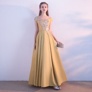 Chic / Beautiful Yellow See-through Evening Dresses  2018 A-Line / Princess Scoop Neck Cap Sleeves Appliques Lace Floor-Length / Long Ruffle Formal Dresses