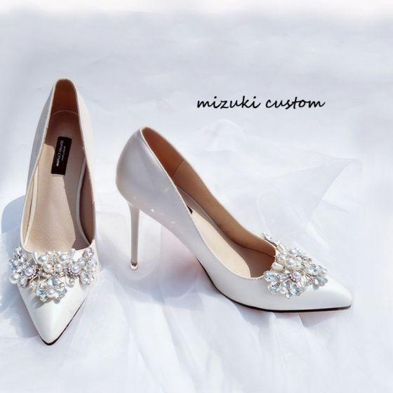 Elegant Hvit Sandaler Dame 2020 Perle Rhinestone 9 cm Stiletthæler Spisse Bryllup Pumps