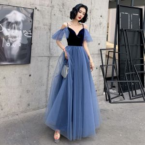 Chic / Beautiful Royal Blue Suede Evening Dresses  2020 A-Line / Princess Spaghetti Straps Short Sleeve Floor-Length / Long Ruffle Backless Formal Dresses