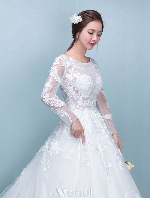 Elegant Bridal Gown 2017 Scoop Neckline Applique Lace Wedding Dresses With Long Sleeves