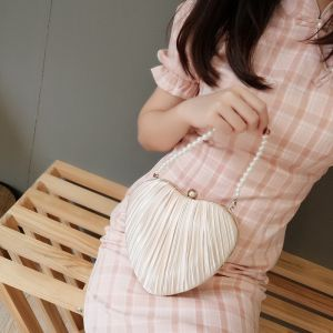 Modest / Simple Champagne Silk Heart-shaped Clutch Bags 2020
