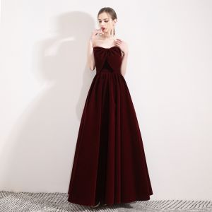 Chic / Beautiful Burgundy Suede Winter Evening Dresses  2019 A-Line / Princess Bow Sweetheart Sleeveless Floor-Length / Long Ruffle Backless Formal Dresses