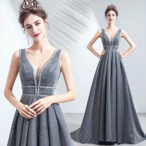 Uroczy Srebrny Szary Sukienki Wieczorowe 2019 Princessa V-Szyja Cekiny Bez Rękawów Bez Pleców Długie Sukienki Wizytowe