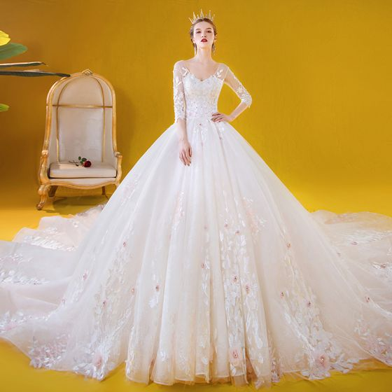Romantic White Bridal Wedding Dresses 2020 Ball Gown V-Neck 3/4 Sleeve Backless Appliques Lace Flower Beading Cathedral Train