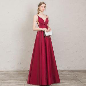 Stilig Burgundy Aftonklänningar 2019 Prinsessa Spaghettiband Ärmlös Halterneck Långa Formella Klänningar