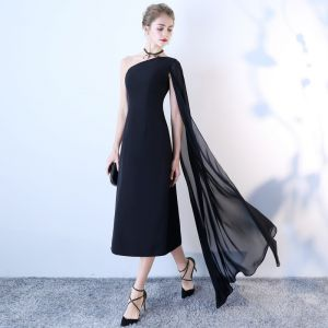 Chic / Belle Noire de retour Robe De Graduation 2018 Princesse Une épaule Avec Châle Dos Nu Sans Manches Thé Longueur Robe De Ceremonie