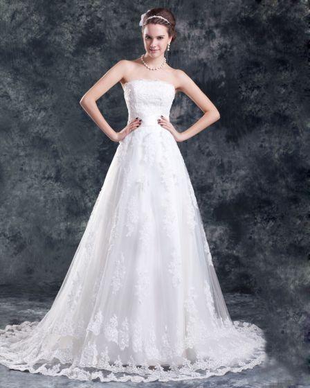 Tyl Blonder Applique Perler Blomst Domstol Tog Stropløs Bolden Kjole Kvinder En Linje Brudekjole