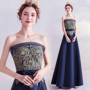 Vintage Granatowe Sukienki Wieczorowe 2020 Princessa Bez Ramiączek Rhinestone Z Koronki Kwiat Kokarda Bez Rękawów Bez Pleców Długie Sukienki Wizytowe