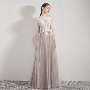 Elegant Champagne Evening Dresses  2019 A-Line / Princess Scoop Neck Sleeveless Appliques Lace Beading Crystal Floor-Length / Long Ruffle Backless Formal Dresses