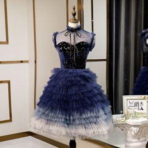 Mode Bleu Marine de retour Robe De Graduation 2020 Princesse Daim Noeud Col Haut Étoile Paillettes Sans Manches Volants en Cascade Mi-Longues Robe De Ceremonie