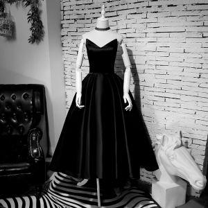 Simple Noire Asymétrique Robe De Bal 2019 Princesse Bustier Sans Manches Dos Nu Robe De Ceremonie