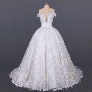 Luxury / Gorgeous White Bridal Wedding Dresses 2020 Ball Gown Off-The-Shoulder Deep V-Neck Short Sleeve Backless Appliques Lace Beading Court Train Ruffle