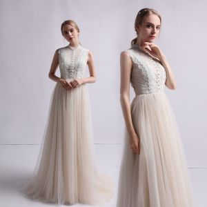 Vintage / Retro Champagne Wedding Dresses 2019 A-Line / Princess High Neck Sleeveless Appliques Lace Sweep Train Ruffle