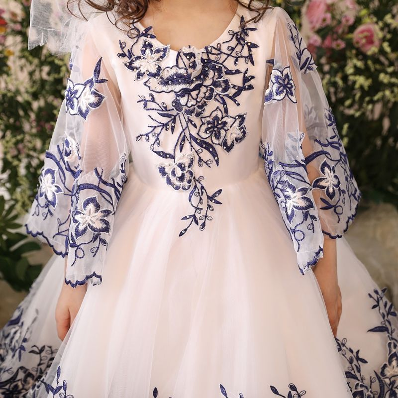 Chic / Beautiful Church Wedding Party Dresses 2017 Flower Girl Dresses White Ball Gown Floor-Length / Long Scoop Neck Long Sleeve Sash Appliques Flower