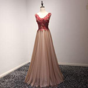 Schöne Rot Pearl Rosa Abendkleider 2017 A Linie Lange Fallende Rüsche V-Ausschnitt Ärmellos Rückenfreies Perlenstickerei Perle Applikationen Blumen Festliche Kleider