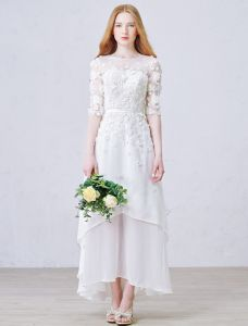 A-linje Genomborrat Handgjorda Blommor Strand Spets Bröllopsklänning