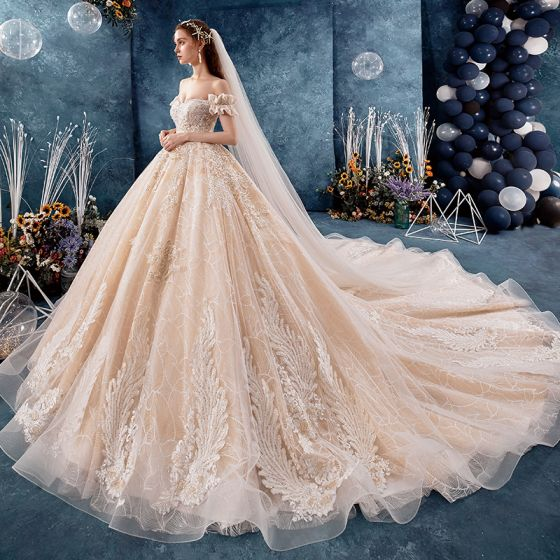 Charming Champagne Wedding Dresses 2019 Ball Gown Off-The-Shoulder Beading Lace Flower Sleeveless Backless Royal Train