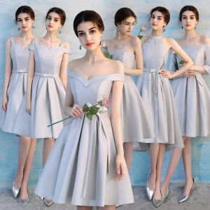 Affordable Modest / Simple Grey Bridesmaid Dresses 2018 A-Line / Princess Bow Sash Ruffle Backless Wedding Party Dresses