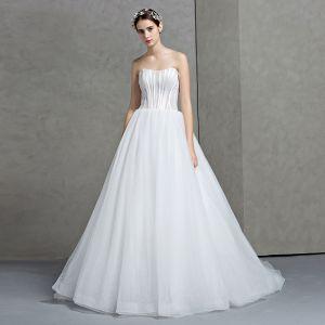 Modest / Simple White Wedding Dresses 2017 A-Line / Princess Sleeveless Sweetheart Backless Organza Ruffle Court Train
