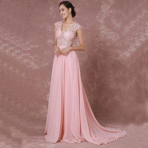 Elegant Blushing Pink Evening Dresses  2018 A-Line / Princess V-Neck Sleeveless Appliques Lace Court Train Pierced Formal Dresses