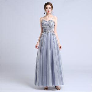 Stylowe / Modne Srebrny Sukienki Na Bal 2018 Princessa Kochanie Spaghetti Pasy Bez Rękawów Frezowanie Długie Bez Pleców Sukienki Wizytowe