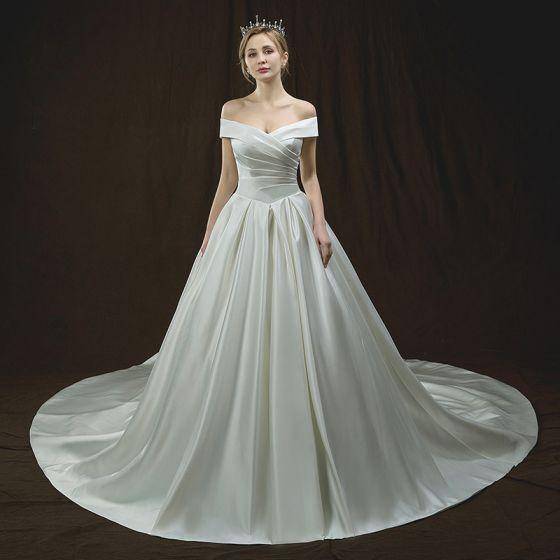 Proste / Simple Kość Słoniowa Suknie Ślubne 2018 Princessa Przy Ramieniu Kótkie Rękawy Bez Pleców Trenem Katedra Wzburzyć