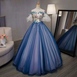 Piękne Królewski Niebieski Taniec Sukienki Na Bal 2020 Suknia Balowa Przy Ramieniu Rękawy z dzwoneczkami Aplikacje Z Koronki Haftowane Kwiat Rhinestone Długie Wzburzyć Sukienki Wizytowe