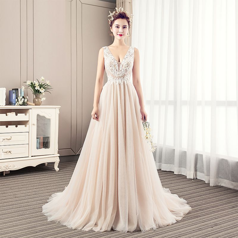 Modern / Fashion Champagne Wedding Dresses 2019 A-Line / Princess V-Neck Beading Pearl Lace Flower Sleeveless Backless Court Train