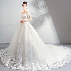 Luxus / Herrlich Weiß Kathedrale Schleppe Hochzeit 2018 Tülle Schnüren Bandeau Perlenstickerei Applikationen Rückenfreies Ballkleid Brautkleider