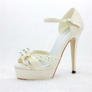 Luxe Chaussures De Mariée En Satin Des Sandales De Plateforme Avec Strass Perle