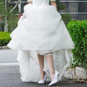 Chic / Belle Blanche 2018 Mariage 10 cm / 4 inch Talons Hauts Satin En Dentelle Appliques À Bout Pointu Soirée Promo Chaussure De Mariée
