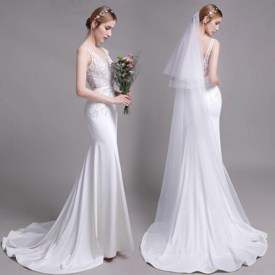 Schöne Weiß Brautkleider / Hochzeitskleider 2019 Meerjungfrau V-Ausschnitt Spitze Blumen Ärmellos Rückenfreies Sweep / Pinsel Zug