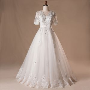 Elegant Classic White Wedding Dresses 2017 A-Line / Princess Lace V-Neck Tulle Beading Sequins Appliques Backless Wedding