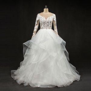 Atemberaubend Weiß Brautkleider 2017 Rundhalsausschnitt Lange Ärmel Rückenfreies Durchbohrt Mit Spitze Plissee Organza Lange Ballkleid