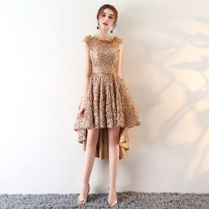 Moderne / Mode Champagne Transparentes Robe De Cocktail 2018 Princesse Encolure Dégagée Sans Manches Appliques Fleur Métal Ceinture Asymétrique Volants Robe De Ceremonie
