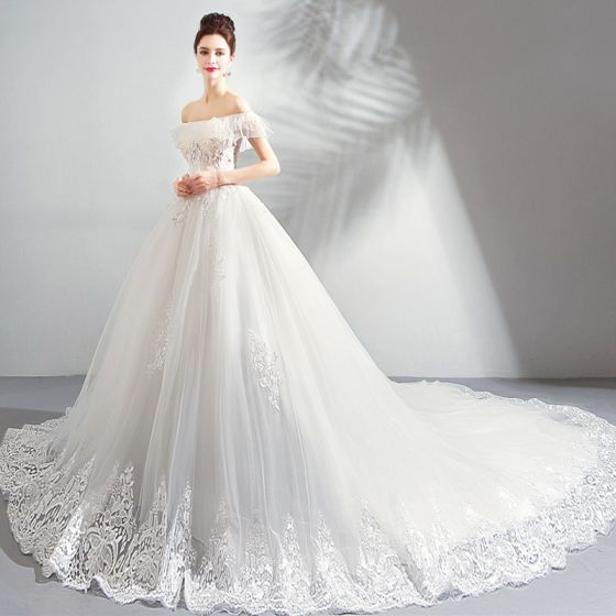 Luxury Gorgeous White Cathedral Train Wedding 2018 Tulle Lace Up Strapless Beading Liques Backless Ball Gown Dresses